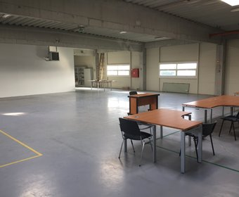 Office/warehouse to let